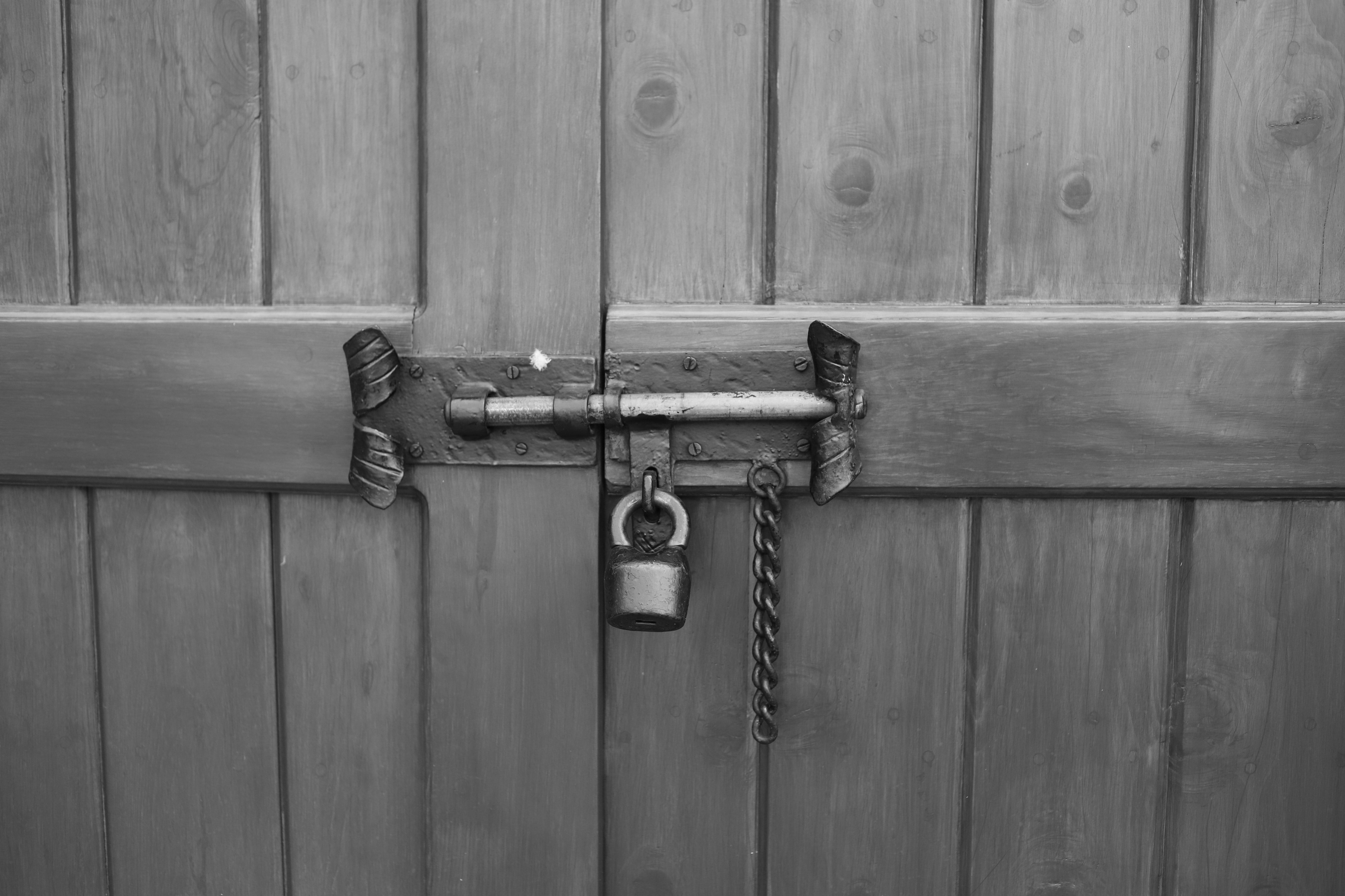 locked_11.jpg